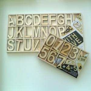 Action houten letters cijfers