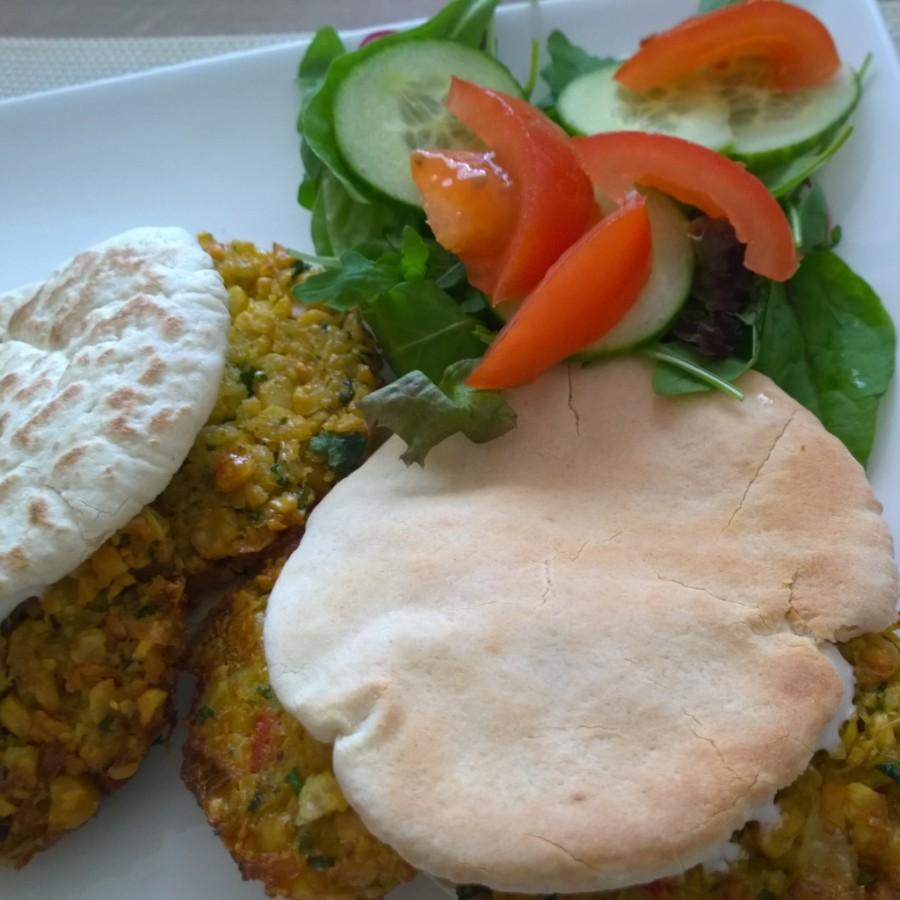 Falafel pitabroodje uit paulines keuken kookclub juli