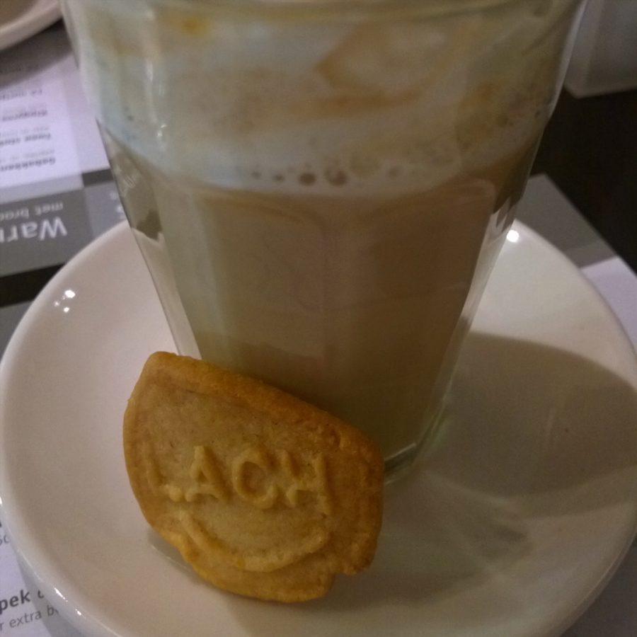 Lach koekje bij koffie en co oirschot