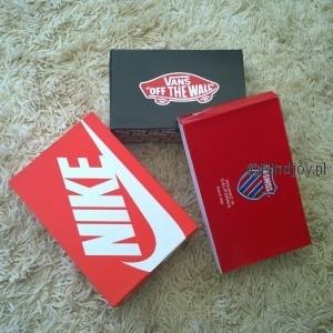 Sneakersenzo bestelde sneakers